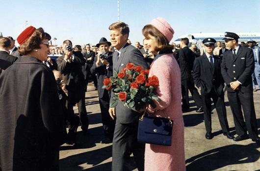Posso vedere il vestito rosa di Mrs. Kennedy?». Archivi, desecretazioni e domande